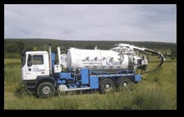 camion AQUAPROVENCE Assainissement : vidange fosse septique, débouchage canalisation, recherche de fuite, Salon de Provence, Arles, Cavaillon