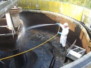 entretien station d'épuration nettoyage-bassin AQUAPROVENCE Assainissement : vidange fosse septique, débouchage canalisation, recherche de fuite, Salon de Provence, Arles, Cavaillon